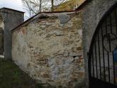 Mur przed remontem (2)