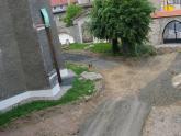 Remont chodnika wokół kościoła 2008 r (2)