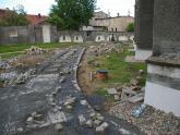 Remont chodnika wokół kościoła 2008 r (13)