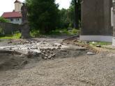 Remont chodnika wokół kościoła 2008 r (16)