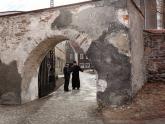 Mur przed remontem (5)