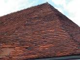 Dach kościoła parafialnego przed remontem - 2005 r (16)