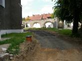 Remont chodnika wokół kościoła 2008 r (8)