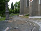 Remont chodnika wokół kościoła 2008 r (4)