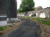 Remont chodnika wokół kościoła 2008 r (19)